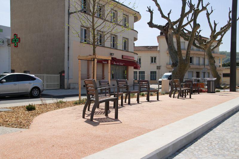 saint-vallier-stabilise-renforce-place-champ-de-mars